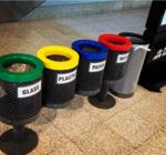 Сортировка мусора: украинцы требуют создать пункты приема опасных бытовых отходов