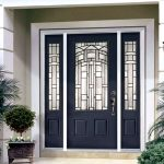 Почему отдают предпочтение металлическим входным дверям?